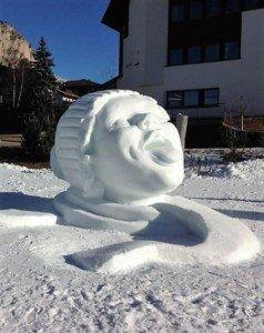 statua di neve selva gardena
